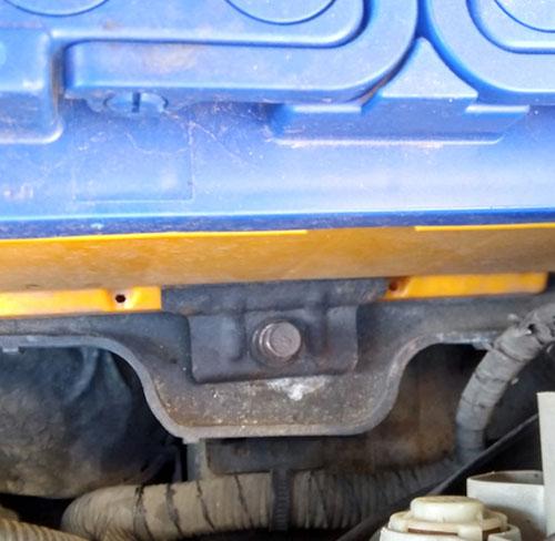 Крепление аккумулятора Hyundai Santa Fe