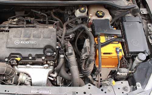Аккумулятор на Opel Astra J